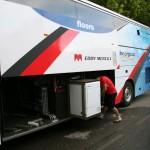 В командном автобусе Quick Step есть даже стиральная машина