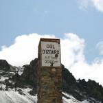 На перевале Col D'Izoard лежит снег